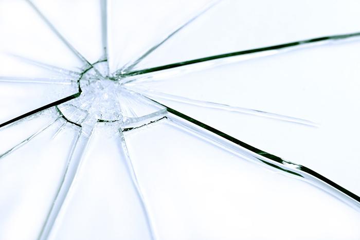 ガラス,割れた