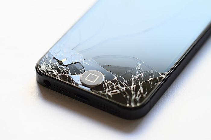 ひび割れiPhone